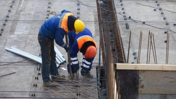 تمديد إعفاء السوريين من رسوم تصاريح العمل حتى نهاية 2020