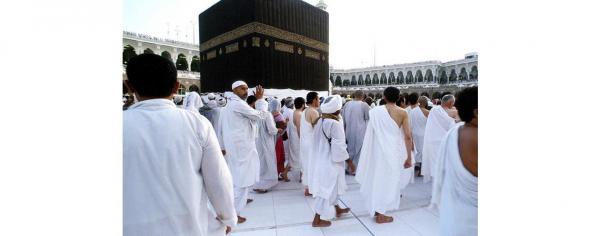 السعودية تعلق دخول المعتمرين والسياح الى اراضيها بسبب كورونا
