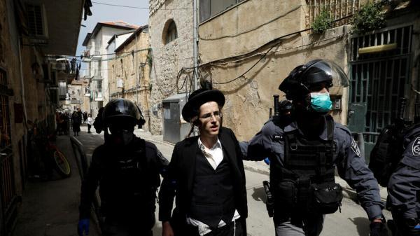 شرطة إسرائيل تعتقل 320 متدينا لانتهاكهم قيود الفيروس في عيد يهودي