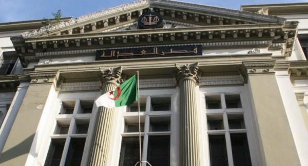 القضاء الجزائري يصدر أحكاما بحق مسؤولين سابقين بتهم فساد