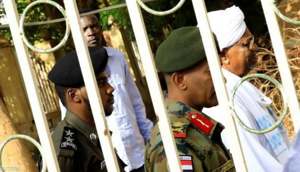السودان.. التحقيق مع البشير في إعدام 28 ضابطا دون محاكمة عام 1990