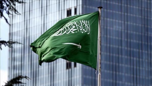 السعودية تمدد تأشيرات وإقامة الوافدين