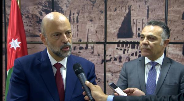 الرزاز: المساعدات والمنح المقدمة للأردن دليل على ثقة العالم باقتصاده