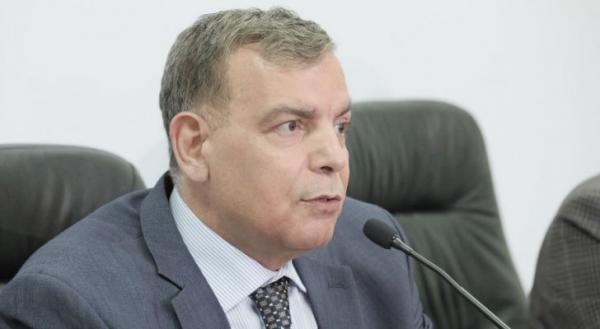 أعلن وزير الصحّة الدكتور سعد جابر وفاة أحد المصابين بفيروس كورونا المستجدّ مساء اليوم الجمعة في مستشفى الأمير حمزة.