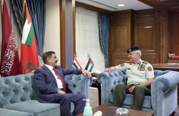 الاردن الحنيطي يستقبل وزير الدفاع العراقي