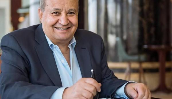 مهرجان القاهرة السينمائي يكرم وحيد حامد بجائزة الهرم الذهبي
