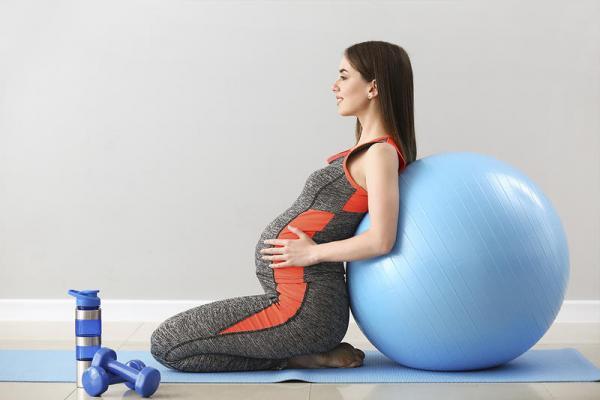 هل تمارين البطن تضر الحامل؟