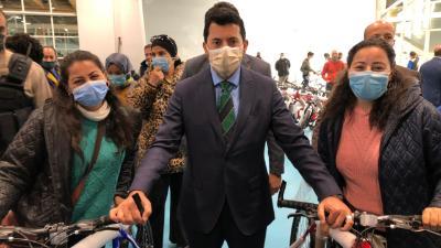 مصر وزير الشباب والرياضة يسلم دراجات المرحلة الثالثة من مبادرة