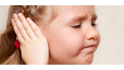 الأطفال أكثر عرضة في الشتاء للإصابة بالتهاب الأذن الوسطى