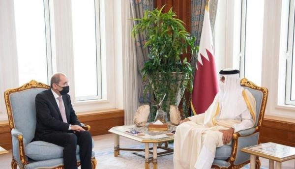 أمير قطر يؤكد حرصه على تطوير العلاقات الثنائية مع الأردن