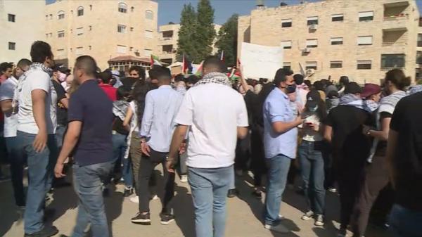 الاردن وقفة احتجاجية قرب السفارة الإسرائيلية ضد اعتداءات إسرائيل في القدس