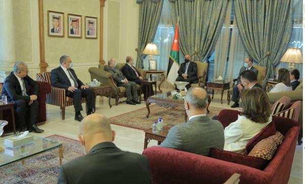 الاردن رئيس الوزراء يستقبل وفداً وزارياً سورياً