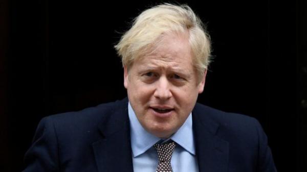 جونسون يحاول تهدئة التوترات مع باريس عقب فشل صفقة الغواصات