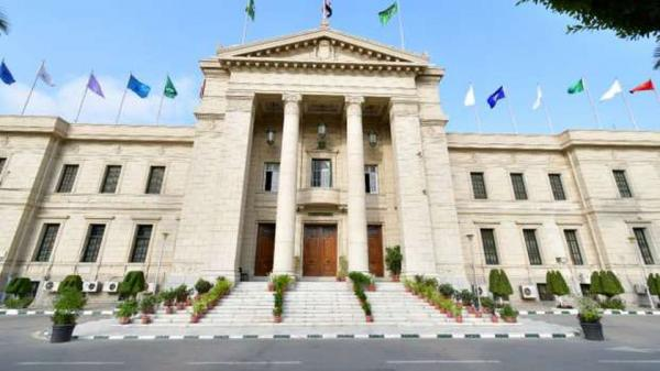 مصر «التعليم العالي» تنفي تأجيل الدراسة في الجامعات بسبب كورونا